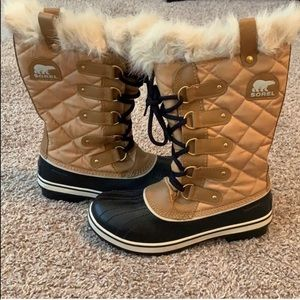 Sorel Tofino Cate Womens snow boot 9.5 *NEW